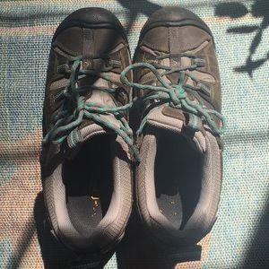 Keen women's 8.5 shoes